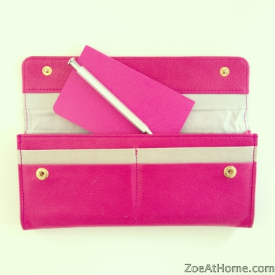 Small handbag strategy: carry a notebook and pen ZoeAtHome.com