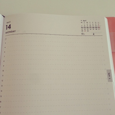 Day-per-page planner diary in B6 size