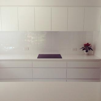 Kitchen renovation scandinavian white minimalist ZoeAtHome.com